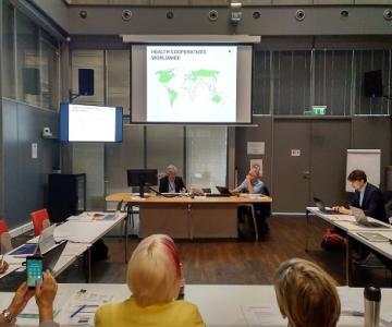 El doctor Carlos Zarco participando en el encuentro internacional celebrado en Ginebra